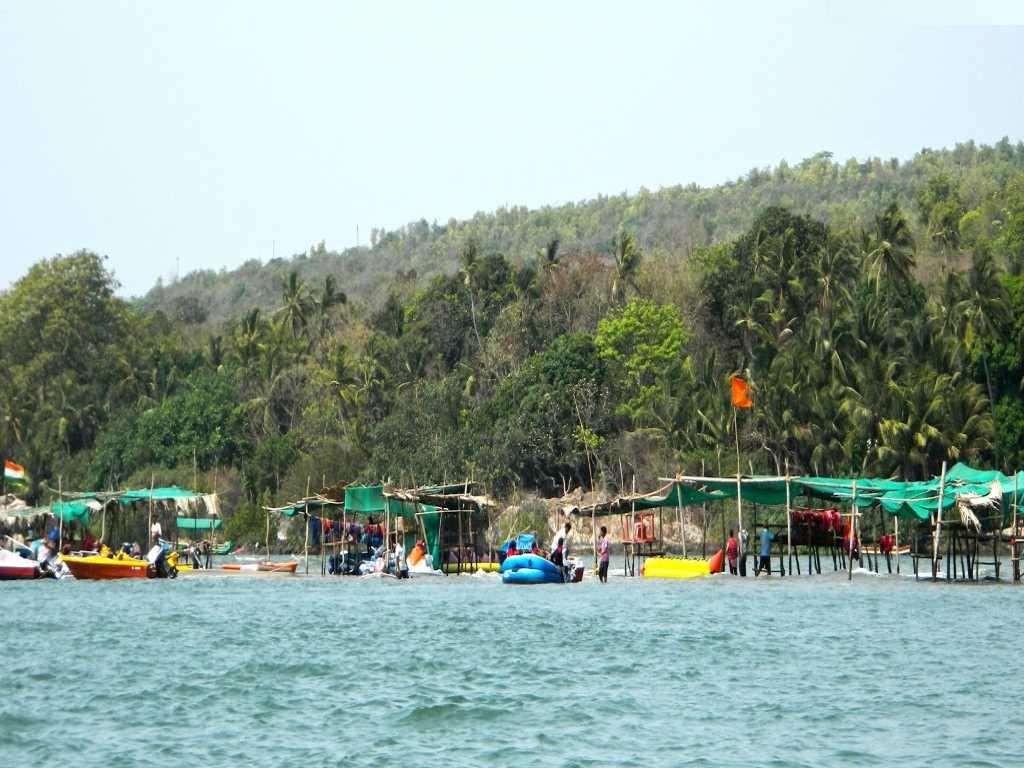Rukmini-Car-Rentals-Goa
